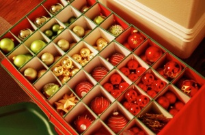 storing-christmas-decorations